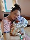 Tadeáš Beroušek se narodil 25. ledna ve 20:14 mamince Petře a tatínkovi Davidovi zPlzně. Po příchodu na svět ve FN Plzeň vážil jejich prvorozený synek 3090 gramů a měřil 51 cm.