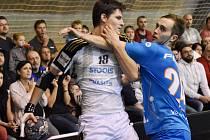 David Poloz (v modrém dresu).