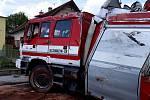 Havarovaný vůz merklínských hasičů v Kolušově
