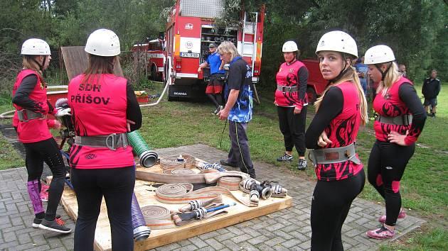 Na soutěž O pohár starosty SDH se do Záluží sjelo 14 týmů.
