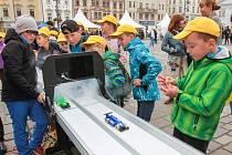 Dny vědy a techniky nabídly na náměstí bohatý program.