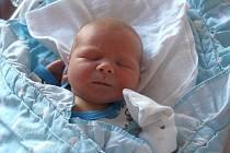 Alex Jindra se narodil 24. srpna ve 20:13 hodin rodičům Janě a Serhijovi z Plzně. Po příchodu na svět ve FN na Lochotíně vážil jejich prvorozený syn 3550 gramů a měřil 50 centimetrů.