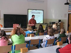 Jak si poradit s nadměrnou tělesnou váhou, jak jí předejít v budoucnosti a jak funguje jaderná elektrárna – právě tahle témata probírali v úterý dopoledne s odborníky děti ze Základní školy v Merklíně na jižním Plzeňsku