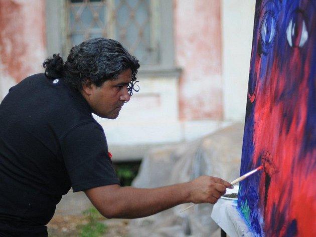 Ruben Dario Martinez z Kolumbie byl mezi dvanácti autory, kteří se zúčastnili malířského sympozia v Dolní Lukavici. Nyní svá díla vystavují vAmerickém centru v Plzni