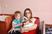 Jakub Skružný se narodil 26. května v 1:10 mamince Jitce a tatínkovi Jiřímu. Po příchodu na svět ve FN Lochotín vážil bráška tříletého Jiříka 2400 gramů a měřil 46 centimetrů.