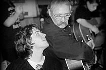 Michal se svým otcem Jiřím ´Dědkem´ Šindelářem, kterému své nové album věnoval