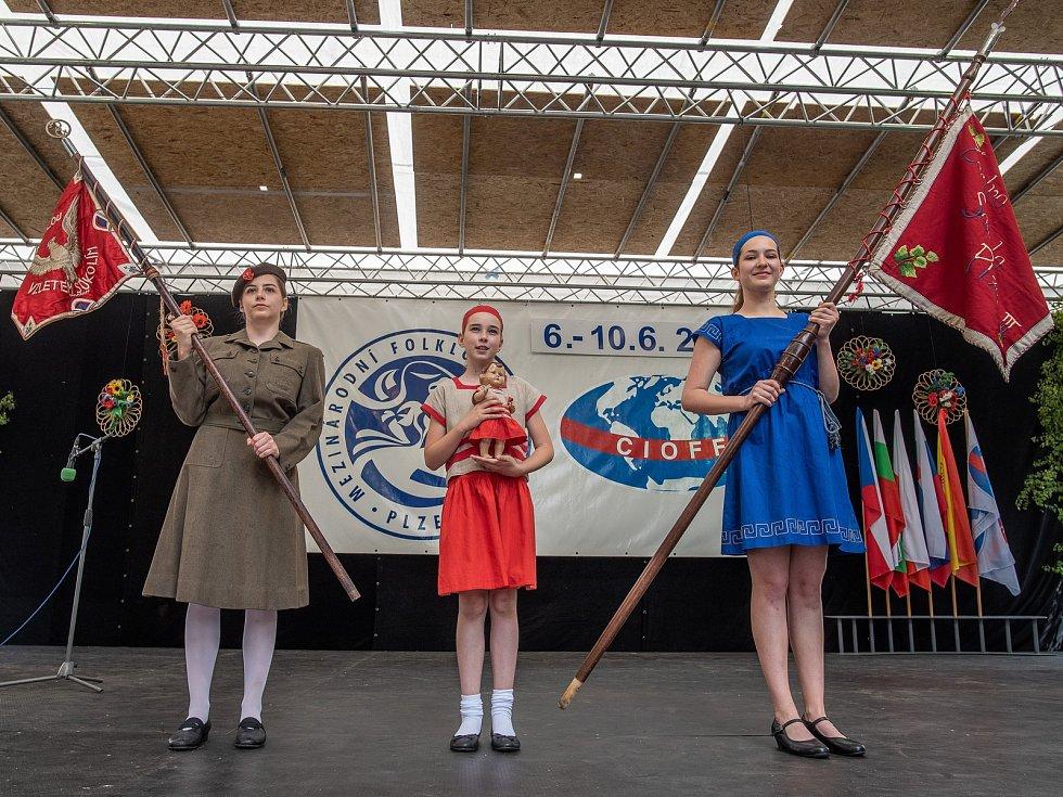 Silou lví, vzletem sokolím! – přehlídka Sokolské župy Plzeňské na Folklórním festivalu