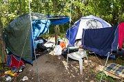 Stanové příbytky bezdomovců. V tomto místě k vraždě došlo
