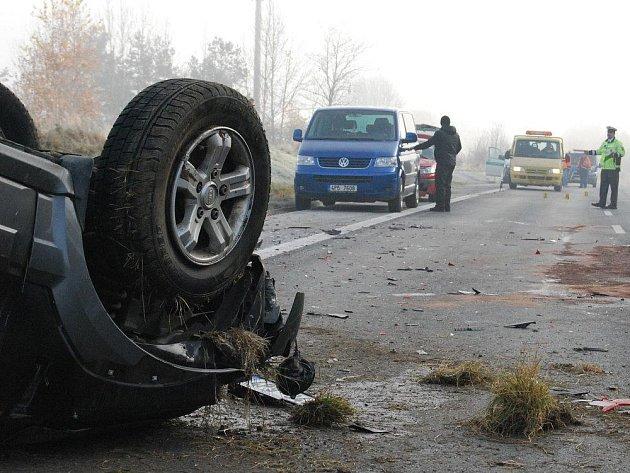 Řidiči vozu Kia Sorento se vymstila rychlá jízda. Vyvázl lehce zraněný.