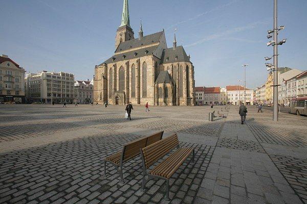U katedrály sv.Bartoloměje na plzeňském náměstí vyroste jeviště