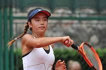 ALLA ABELDINOVÁ, rodačka ze Sokolova, hájí barvy TK Slavie Plzeň. Nejčastěji trénuje v Karlových Varech.