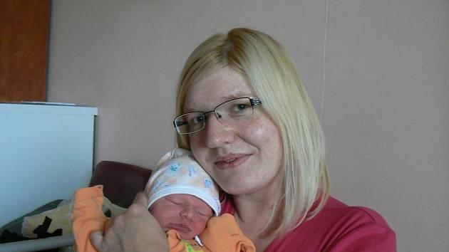 Heleně a Jiřímu Šebkovým zNové Huti (Dýšina) se 27. října ve 4:07 hod. narodila ve FN vPlzni prvorozená dcera, která dostala jméno Kristýnka (3 kg, 48 cm)