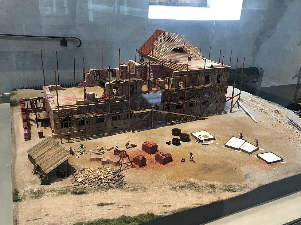 Model stavby kláštera.