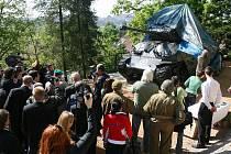 Slavnostní odhalení tanku Sherman v plzeňské zoo, který za druhé světové války patřil 16. obrněné divizi
