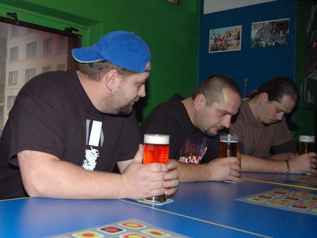 V Tachově se pořádala Gambrinus štafeta v pití piva