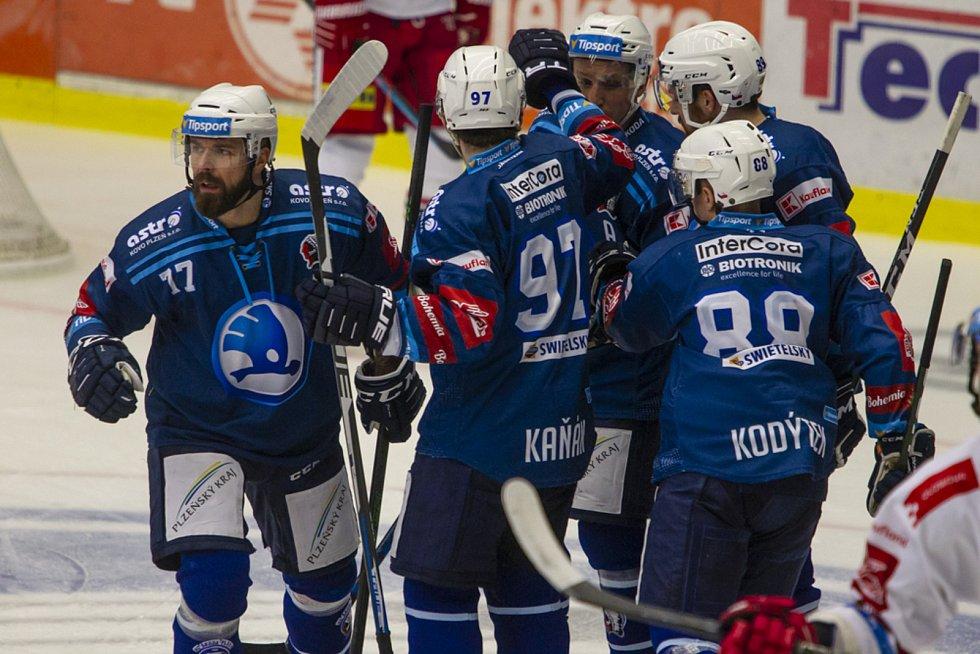 Milan Gulaš (zcela vlevo)