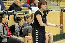 Trenérka HK Slavia VŠ Plzeň Jana Galušková (na snímku) může být s podzimní částí sezony spokojená. Slávistkám patří druhá příčka  v první lize házené žen