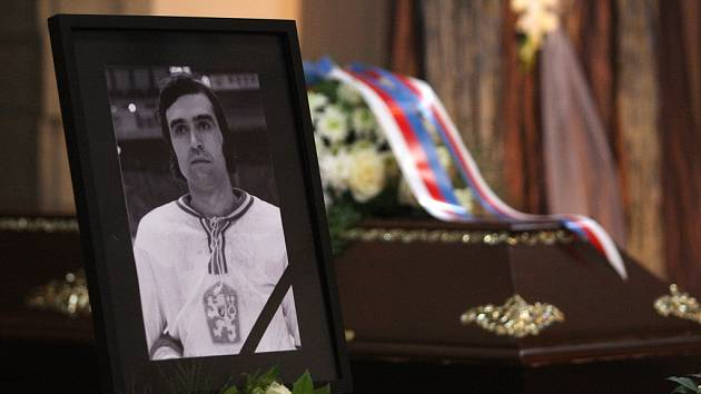 Plzeň se rozloučila s hokejovou legendou Milanem Kajklem