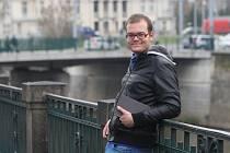 Jednadvacetiletý Ladislav Jandík  téměř dva měsíce žil ve vile VyVolených. Mezi jeho koníčky patří četba