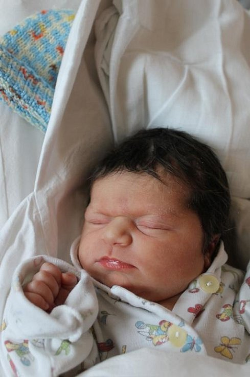 Maminka Marie Pištová z Plzně se raduje z narození dcery Marie Angely (2,29 kg, 46 cm). Její první holčička přišla na svět 16. června v 19:37 v plzeňské fakultní nemocnici