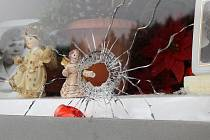 Na hřbitově v Líních řádil mezi svátky vandal
