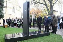 Uložení ostatků Ladislava Sutnara na Ústředním hřbitově v Plzni