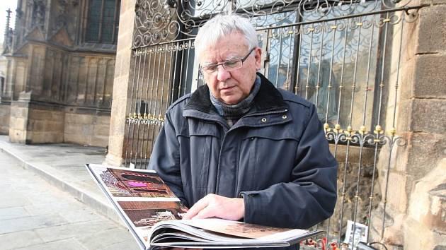 Architekt Jan Soukup představuje knihu o katedrále sv. Bartoloměje