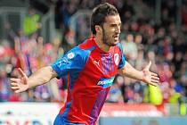 První gól Viktorie v pohárovém duelu proti Brnu vstřelil Aidin Mahmutovič.