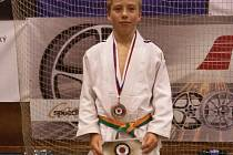 BLOVICKÁ naděje Ondřej Šlais získal na přeboru České republiky v judu v kategorii starších žáků bronzovou medaili.