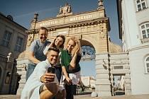 Areál plzeňského pivovaru, který patří mezi nejoblíbenější turistické atrakce v Česku, se po sedmi měsících otevírá.