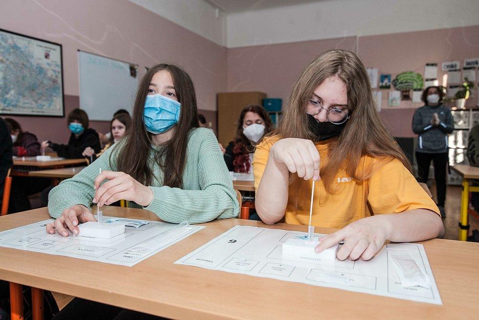Otevření tříd druhého stupně na Masarykově základní škole v Plzni.