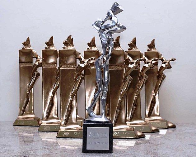 Do devětadvacátého ročníku vstoupila se začátkem roku hudební anketa Žebřík. Vítěze devíti kategorií vyberou hlasováním na webu ankety fanoušci.