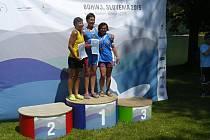 Životního úspěchu dosáhla na evropském šampionátu ziskem bronzové medaile Helena Brichtová (vpravo).