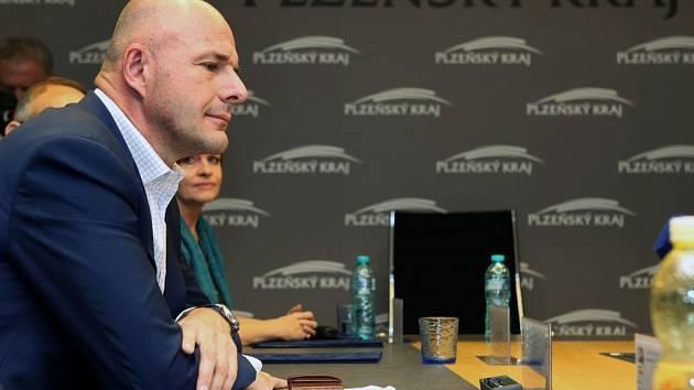 Představení nové koalice, která bude vládnout Plzeňskému kraji. Na snímku nový hejtman Josef Bernard