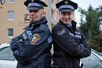 Patrik Schovánek (vlevo) a jeho syn Michael (vpravo) si poprvé vyzkoušeli, jaké je to zasahovat společně.