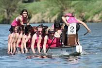 Mistrovství republiky dračích lodí na dlouhých tratích vyhrála v kategorii žen domácí posádka Kojetína, které k titulu dopomohly i čtyři plzeňské závodnice
