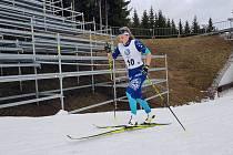 Adéla Nováková na trati mistrovství ČR v Novém Městě na Moravě.