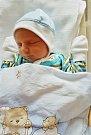Tomáš Votápek se narodil 10. prosince v 16:15 mamince Jitce Bezděkové a tatínkovi Petrovi z Plzně. Po příchodu na svět v plzeňské FN vážil bráška tříletého Péti 3460 gramů a měřil 50 cm.