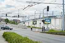 Řízený provoz na křižovatce U Trati.