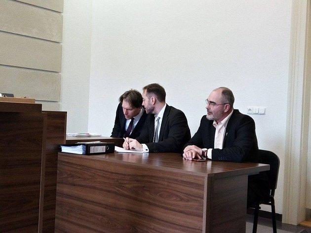 Zprava primátor Martin Zrzavecký a obhájci Daniel Hájek a Dominik Tomášek