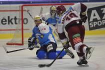 Hokejisté Škody Plzeň v souboji 33. kola udolali škodováci před zaplněnou ČEZ Arenou pražskou Spartu 2:1 a zase si víc upevnili vedení v extralize.