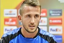 Polsko, země zaslíbená jako by pro Tomáše Pekharta byla. V roce 2012 si tady zahrál na Euru, teď střílí góly za Legii Varšava. A zítra tady může za národní tým nastoupit proti Estonsku.