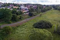 """Stavba s názvem """"Vejprnice, Tlučná – smíšená CS Tlučná – propojení v údolí Vejprnického potoka"""" je dlouhá 2,4 kilometru."""