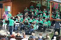 Orchestr TREMOLO ze Základní umělecké školy v Třemošné dělá čest svému městu a hudební škole nejen na prestižních celostátních soutěžích. Před deseti dny vystoupil opět také na třemošenském jazzovém festivalu U řeky
