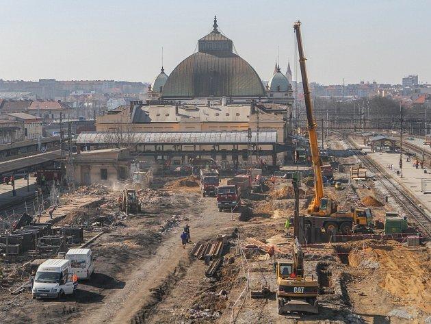 Hlavní nádraží v Plzni prochází největší rekonstrukcí za posledních sto let.
