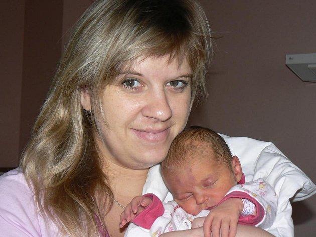 Na Lindu Langhansovou (3,37 kg, 50 cm), která přišla na svět 9. 11. v1:43 hod. ve FN, se kromě rodičů Lenky a Michala moc těšil tříletý brácha Matěj