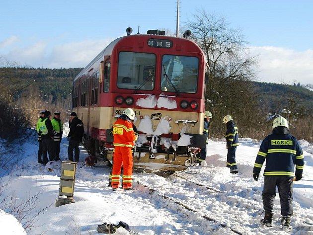 Sražený muž na místě podlehl zranění. Spěšný vlak muže srazil v pátek před jedenáctou hodinou na železničním přejezdu v Kaznějově