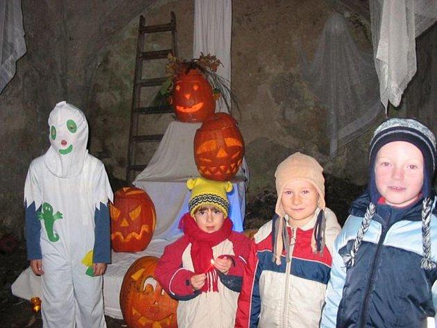 Dýně a strašidýlka jsou tradiční výstavou, která dnes opět po roce začíná