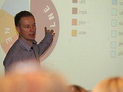 Mluvčí Jaderné elektrárny Temelín Marek Sviták přednášel v Přešticích