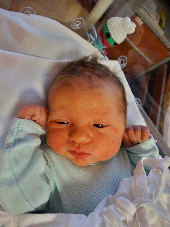 Matyáš Kocina se narodil 3. ledna v7:51 mamince Barboře a tatínkovi Janovi zPlzně. Po příchodu na svět vplzeňské FN vážil bráška tříleté Natálky 3700 gramů a měřil 51 centimetrů.